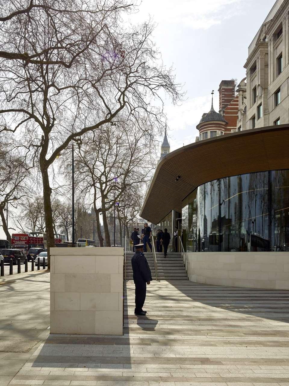 New Scotland Yard wins Prime Minister's Better Public Building Award 2017
