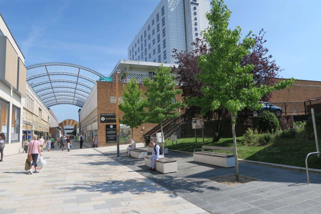 Gillespies delivers a new public realm for 'The Lexicon' in Bracknell.